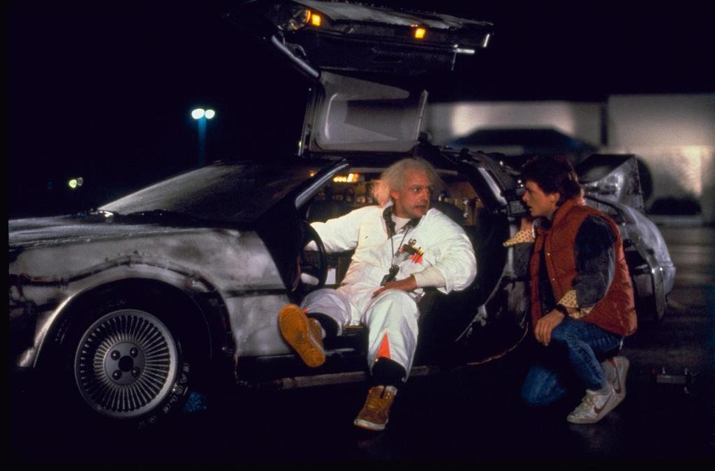 http://www.obviouslywrong.org/wp-content/uploads/2012/12/delorean-back-future-1024x675.jpg